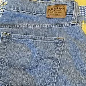 Levi's Signature low-rise bootcut jeans